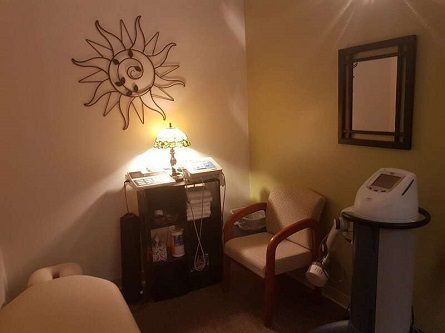 Chiropractic Massage Therapy Table in Wasilla Chiropractor Clinic