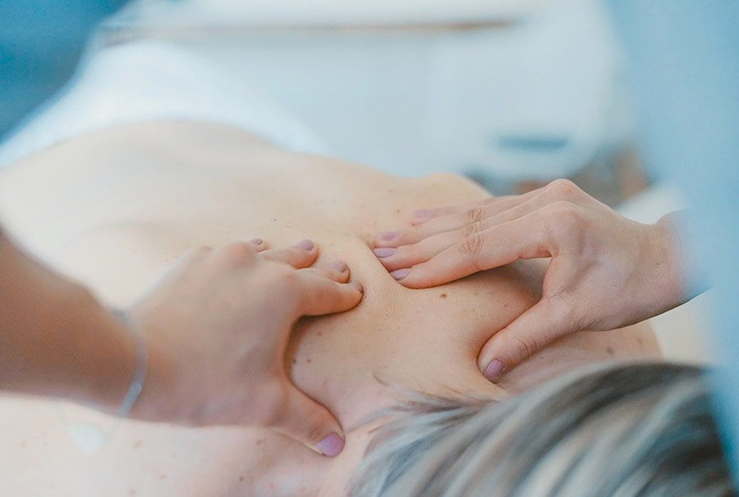 How Does a Juneau Chiropractor Manipulate the Spine?