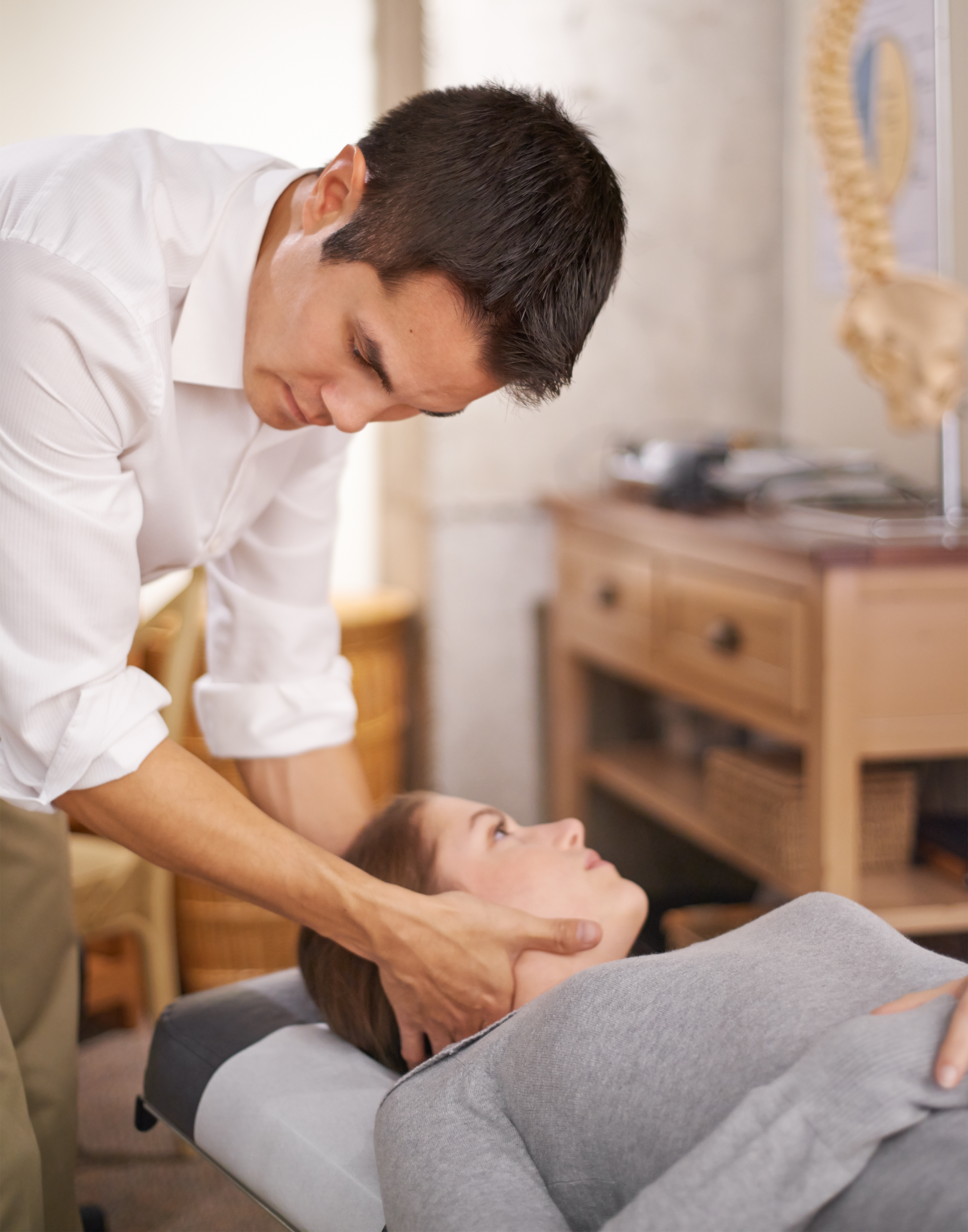 When Should I See a Chiropractor about Neck Pain?