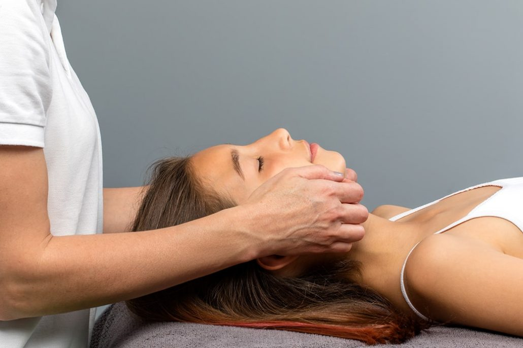 Chiropractor is the best choice for treating whiplash,